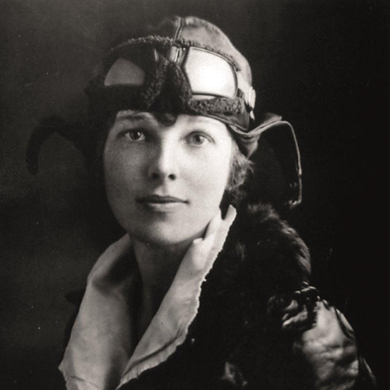 Amelia Earhart: la prima donna a volare sull Atlantico