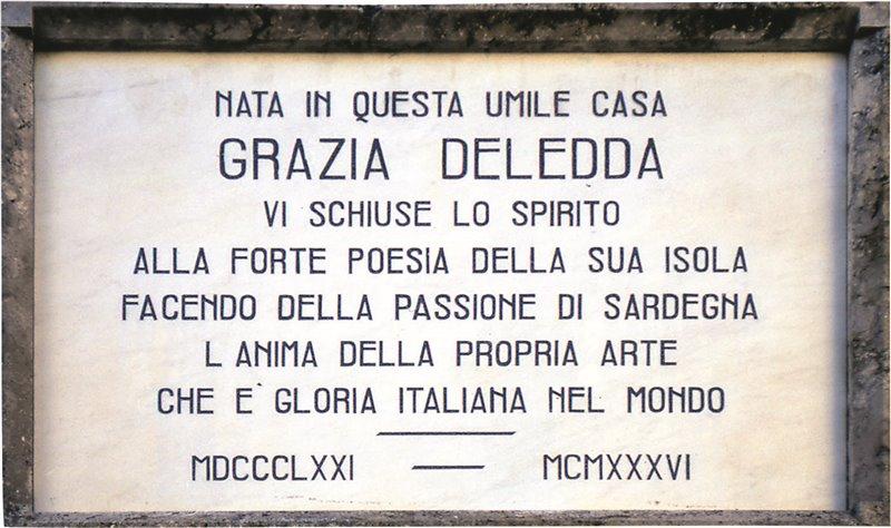 Targa in onore della scrittrice Grazia Deledda a Nuoro