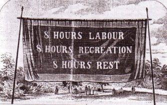 """""""Otto ore di lavoro, otto di svago, otto per dormire"""" fu la parola d'ordine, coniata in America e condivisa dal movimento sindacale organizzato del primo Novecento"""