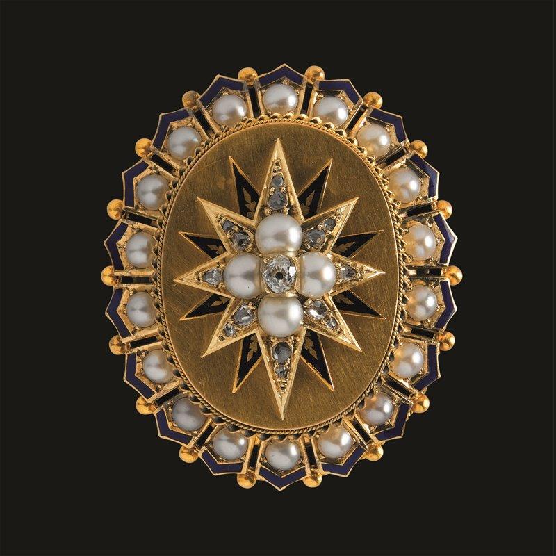 Spilla con perle e diamanti appartenuta a Eugenia de Montijo