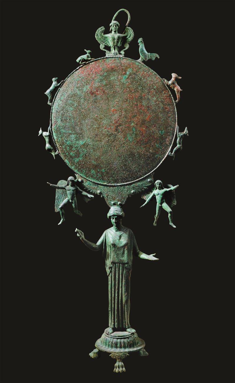 Specchio di bronzo del V secolo a.C. Museo del Louvre