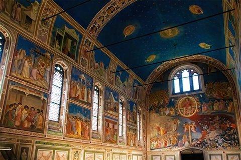 La Cappella degli Scrovegni è uno dei più grandi gioielli artistici di Padova e ha contribuito a diffondere le innovazioni di Giotto in tutto il nord Italia