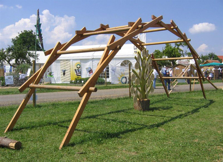 Leonardo ha progettato ponti rimovibili che potessero adattarsi a flussi di qualsiasi larghezza.