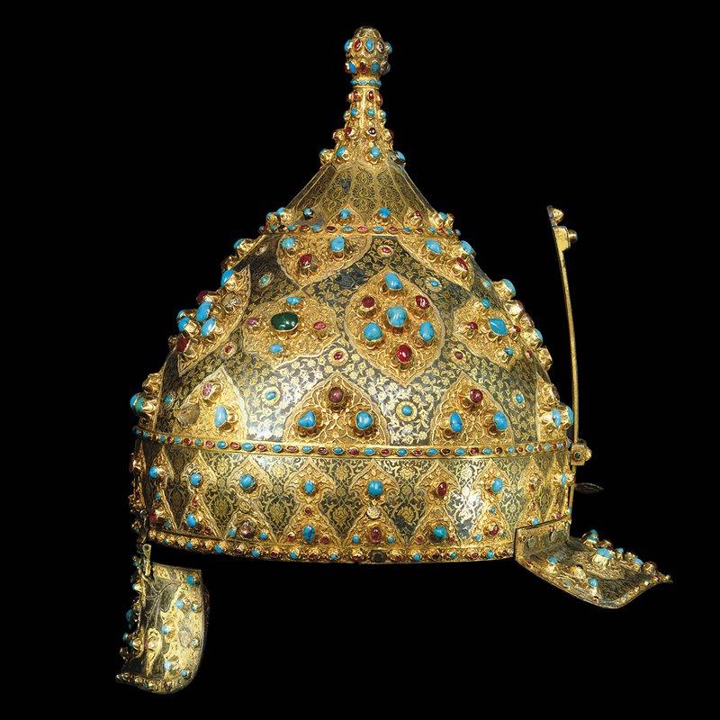 Elmo di Solimano. In oro e pietre preziose, si trova oggi al Museo di Topkapi, Istanbul