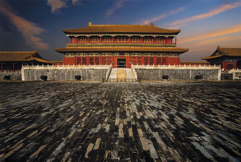 La Sala dell'armonia suprema: posto a circa 30 metri sopra il livello della piazza, l'edificio è uno dei più importanti della Città Proibita di Pechino