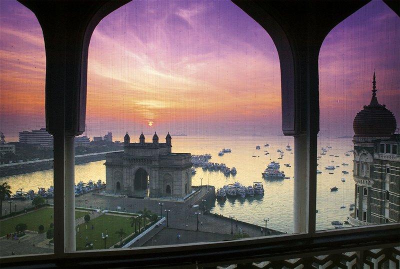 Questo spettacolare arco di trionfo di 26 metri di altezza fu eretto a Bombay nel 1911, in occasione della visita di re Giorgio V e di sua moglie, la regina Maria